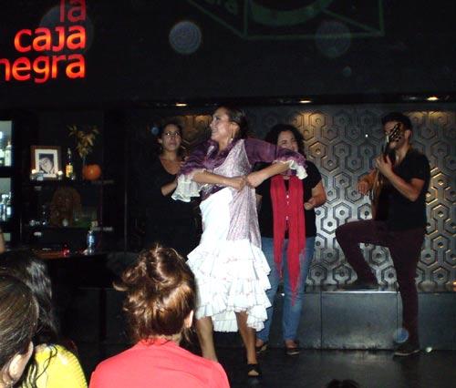 """Фламенко в севильском баре """"La Caja Negra"""""""