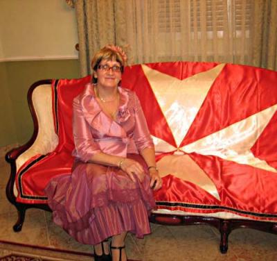 María Kúbareva en su día de admisión como Dama de Honor.